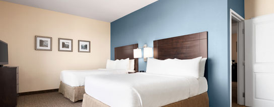 Wyndham Garden Niagara Falls Fallsview - Accessible Family Suite – 2 Queen Beds, 1 Pullout Sofa, City View